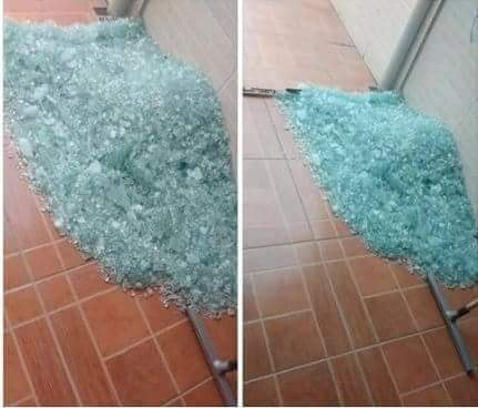 glass_table_for_sale_assembly_required.jpg